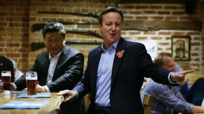 Si Đinping i David Cameron u pubu