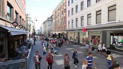 oslo-street-pedestrians